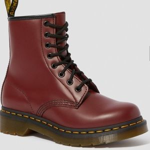 BRAND NEW DR. MARTENS 1460W BOOT, SIZE US 6